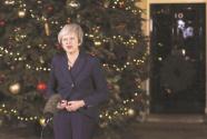 """特雷莎·梅""""安全""""了,英国""""脱欧""""仍无解"""