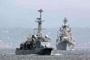 俄舰队对进入黑海的美国军舰进行监视