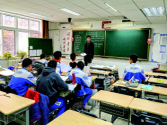"""毛澤東親勉""""好好學習""""的學校,六十載初心不變"""